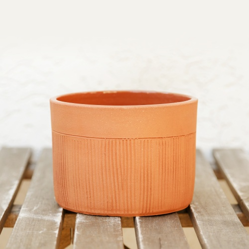 Ceramic flower pot, not enamelled