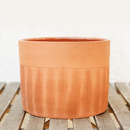 Ceramic flower pot, not enamelled