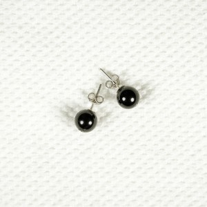 Silver earrings with obsidian stones