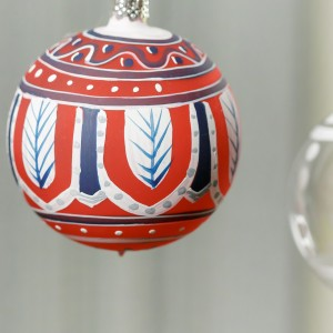 Glass ornament manually painted