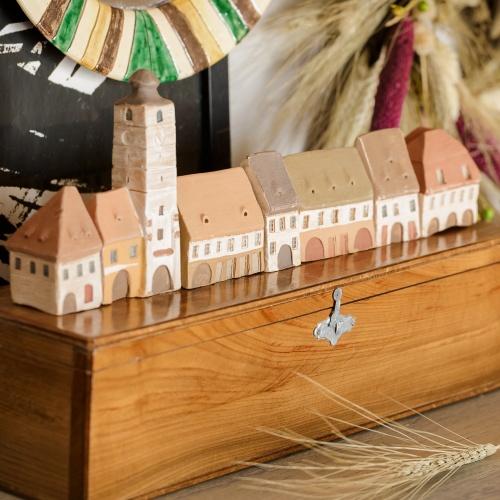 Miniatural ceramic saxon village