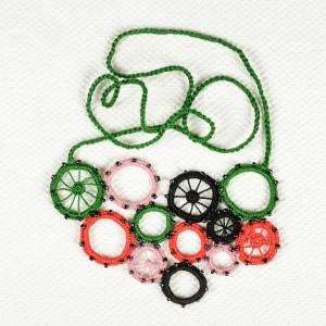 Colier croșetat manual