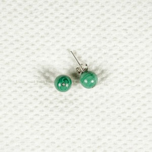 Silver earrings with malachite stones